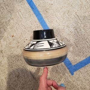Ute Mtn tribe  vase signed by L Watts